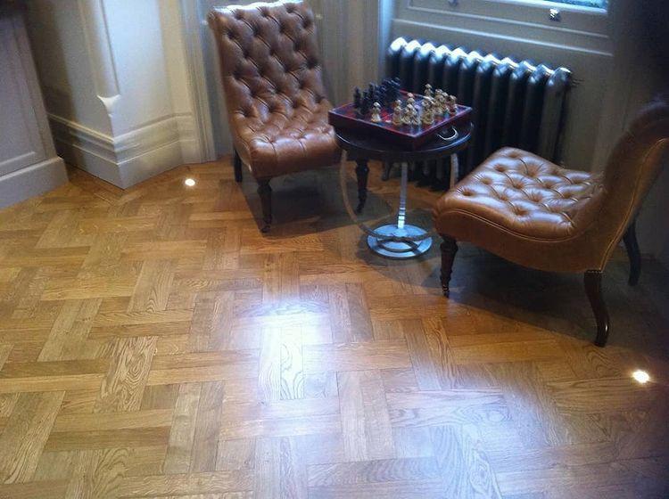 Squared parquet flooring in dubai