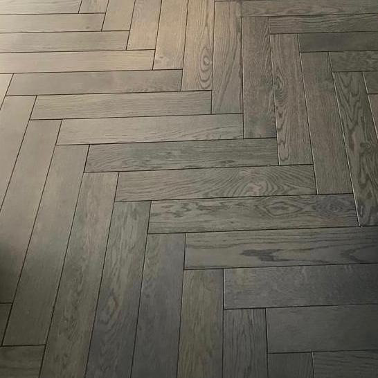 Trendy Floor Dubai designs of Squared Parquet Flooring 2021