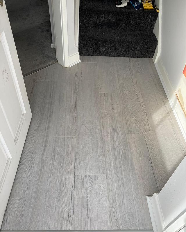LVT Flooring In Dubai